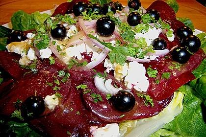 Blattsalat mit Roter Bete und Schafskäse 10