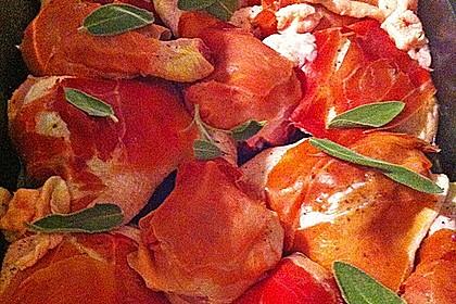 Hähnchenkeulen in Weißwein mit Serranoschinken und Salbei 7
