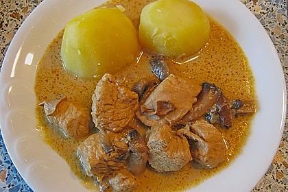Putengulasch mit Pilzen 0