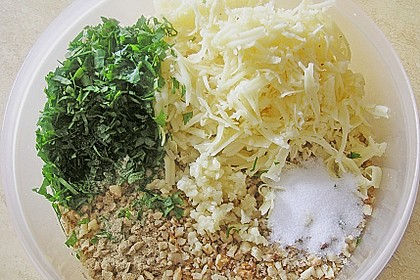 Filet vom Huhn mit Walnuss-Knoblauch-Kruste 35