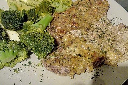 Filet vom Huhn mit Walnuss-Knoblauch-Kruste 42