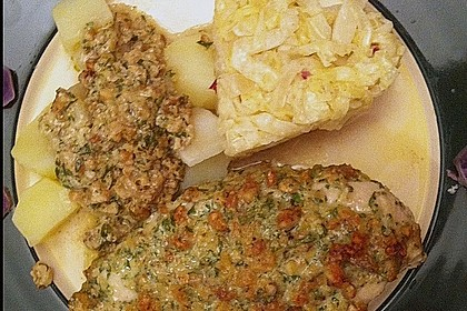 Filet vom Huhn mit Walnuss-Knoblauch-Kruste 45