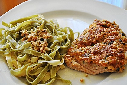 Filet vom Huhn mit Walnuss-Knoblauch-Kruste 4