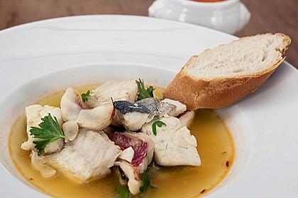 Bouillabaisse mit Sauce Rouille und Baguette