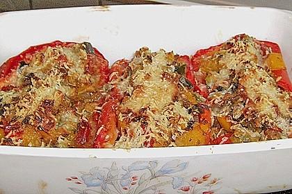 Mit Ratatouille gefüllte und überbackene Paprika 8