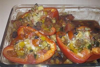Mit Ratatouille gefüllte und überbackene Paprika 16