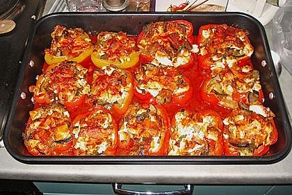 Mit Ratatouille gefüllte und überbackene Paprika 7