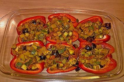 Mit Ratatouille gefüllte und überbackene Paprika 9