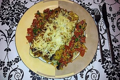 Mit Couscous gefüllte und überbackene Zucchini 23
