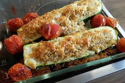 Mit Couscous gefüllte und überbackene Zucchini 19