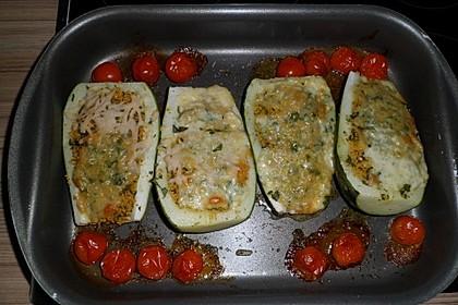 Mit Couscous gefüllte und überbackene Zucchini 20