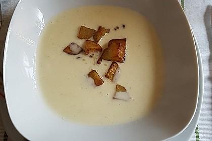 Feine Kartoffelsuppe mit Croûtons und Baconaroma 15