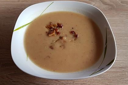 Feine Kartoffelsuppe mit Croûtons und Baconaroma 25
