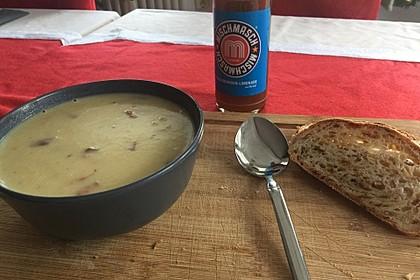 Feine Kartoffelsuppe mit Croûtons und Baconaroma 26