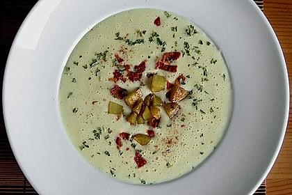 Feine Kartoffelsuppe mit Croûtons und Baconaroma 2