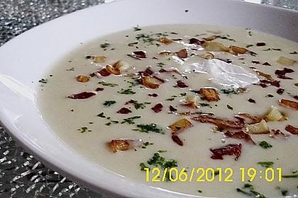 Feine Kartoffelsuppe mit Croûtons und Baconaroma 14