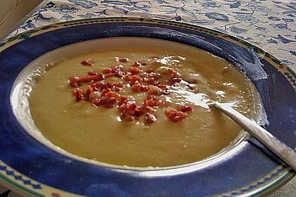 Feine Kartoffelsuppe mit Croûtons und Baconaroma 35