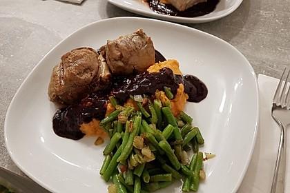 Schweinefilet auf Süßkartoffelpüree mit Lebkuchenjus und Rosenkohl 9
