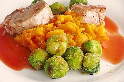 Schweinefilet auf Süßkartoffelpüree mit Lebkuchenjus und Rosenkohl 29