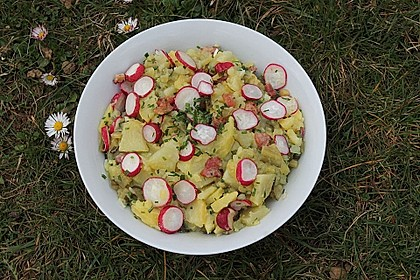 Kartoffelsalat mit Radieschen und Speck 10