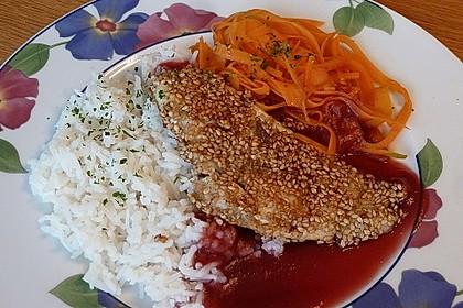 Orientalisches Sesamfischfilet mit Granatapfelsauce