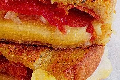 Gebratenes Sandwich mit Erdnussbutter und Banane 2