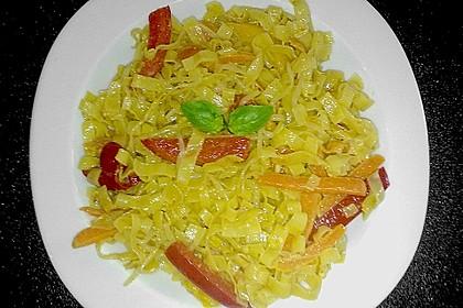 Wok-Nudelpfanne mit Gemüse