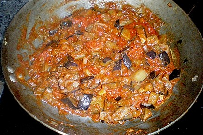 Penne mit Auberginen, Tomaten und Basilikum 8