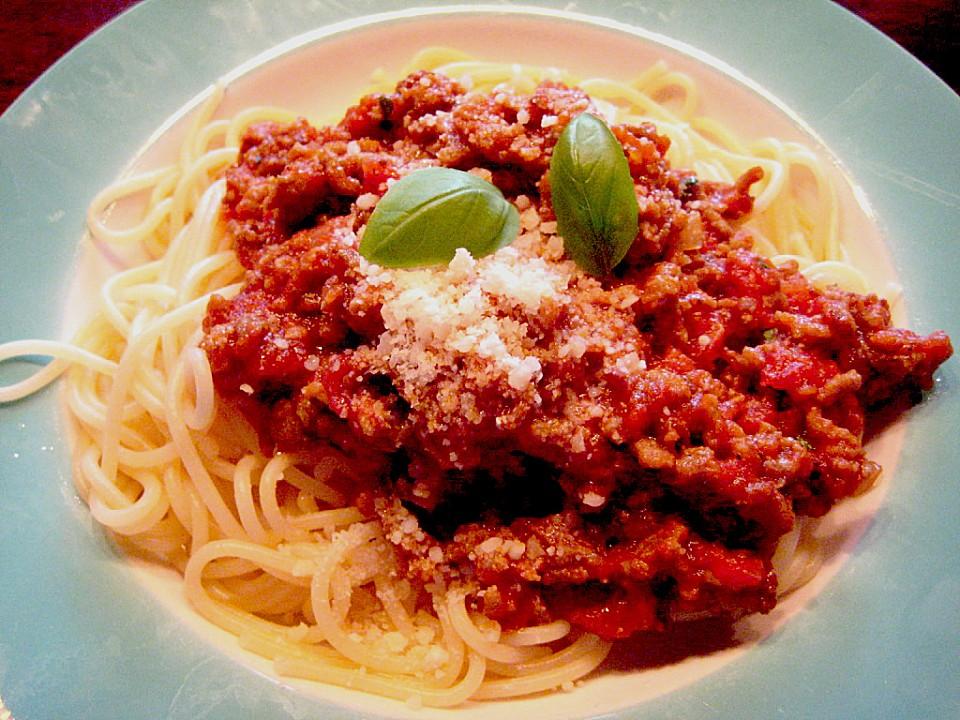 spaghetti bolognese mit frischen tomaten rezept mit bild. Black Bedroom Furniture Sets. Home Design Ideas