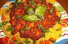 Spaghetti Bolognese mit frischen Tomaten