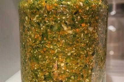 Eingesalzenes Gemüse für Gemüsebrühe 26