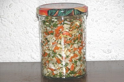 Eingesalzenes Gemüse für Gemüsebrühe 16
