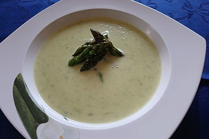 Kartoffel-grüner Spargel-Suppe 6