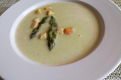 Kartoffel-grüner Spargel-Suppe 4