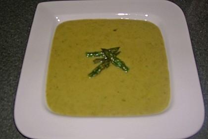 Kartoffel-grüner Spargel-Suppe 9