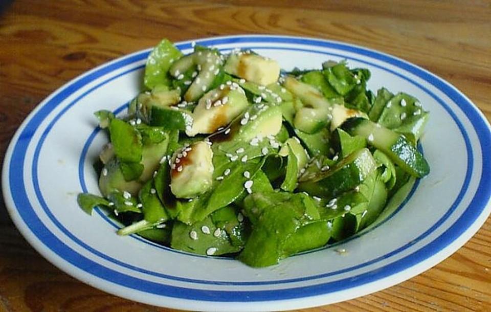 spinat avocado gurken salat mit wasabi dressing von danielov. Black Bedroom Furniture Sets. Home Design Ideas