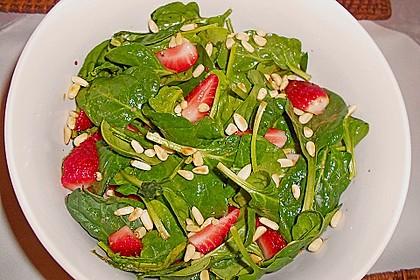 Feldsalat mit marinierten Erdbeeren 8
