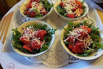 Feldsalat mit marinierten Erdbeeren 5