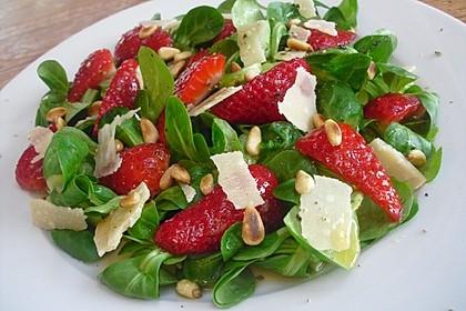 Feldsalat mit marinierten Erdbeeren 4