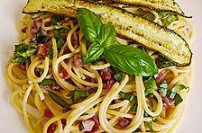 Spaghetti mit Basilikum - Carbonara