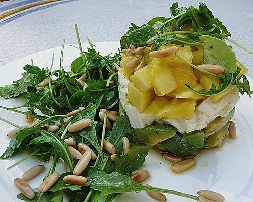 avocado mozzarella salat mit mango rezept mit bild. Black Bedroom Furniture Sets. Home Design Ideas