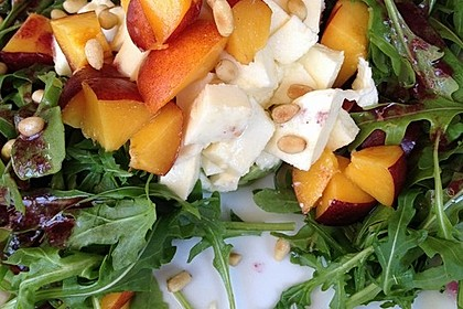 Avocado-Mozzarella-Salat mit Mango 63