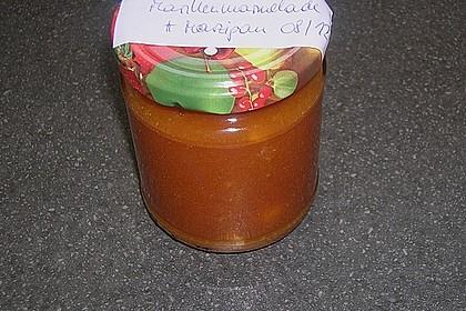 Marillenmarmelade mit Marzipanstückchen 1