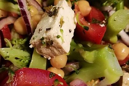 Mediterraner Brokkoli Salat 54
