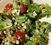 Mediterraner Brokkoli Salat (Bild)