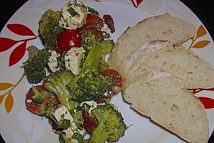 Mediterraner Brokkoli Salat 38