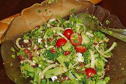 Mediterraner Brokkoli Salat 45