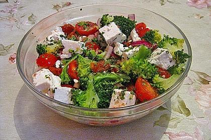 Mediterraner Brokkoli Salat 30