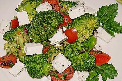 Mediterraner Brokkoli Salat 15