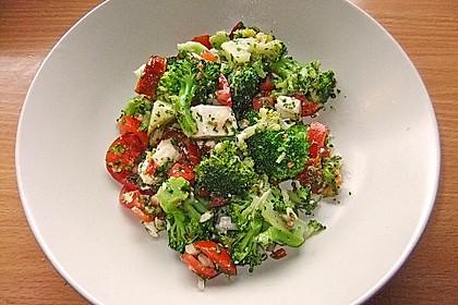 Mediterraner Brokkoli Salat 22